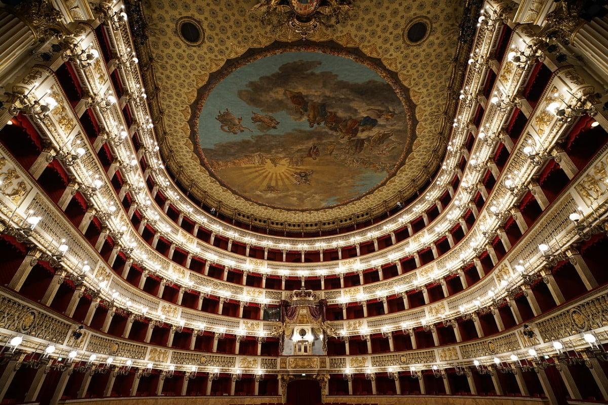 Teatro San Carlo Interni