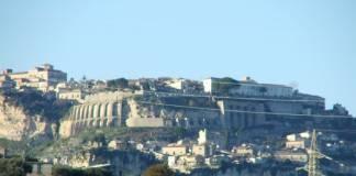 Gerace (vista da Locri)
